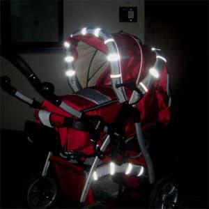 В Госдуму внесен законопроект о размещении световозвращающих элементов на детской одежде или колясках