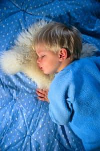 lОмега-3 способствует крепкому детскому сну
