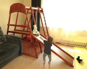 спортивный уголок для малышей